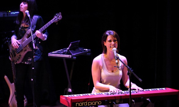 Sara Farina - Heather Peace Live